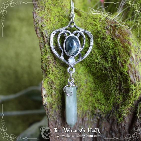"""Elfe des Forêts"" elven pendulum necklace"
