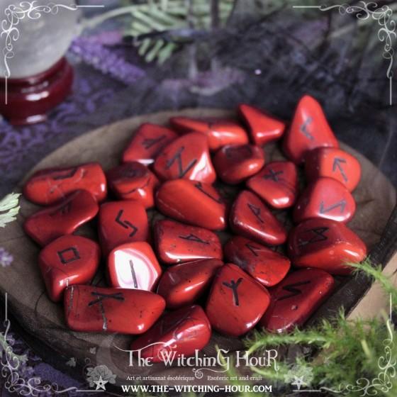 Runes artisanales en jaspe rouge