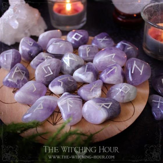 Chevron amethyst runes