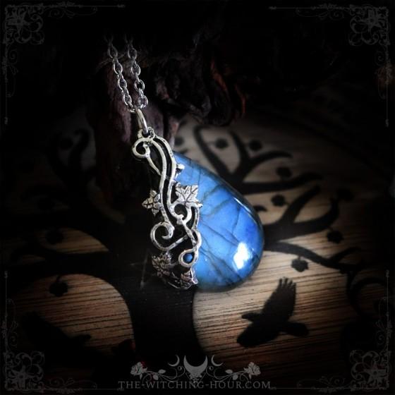 Pendentif en labradorite bleue