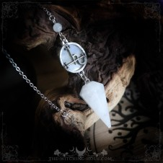 Pendule sigil de Lilith en quartz