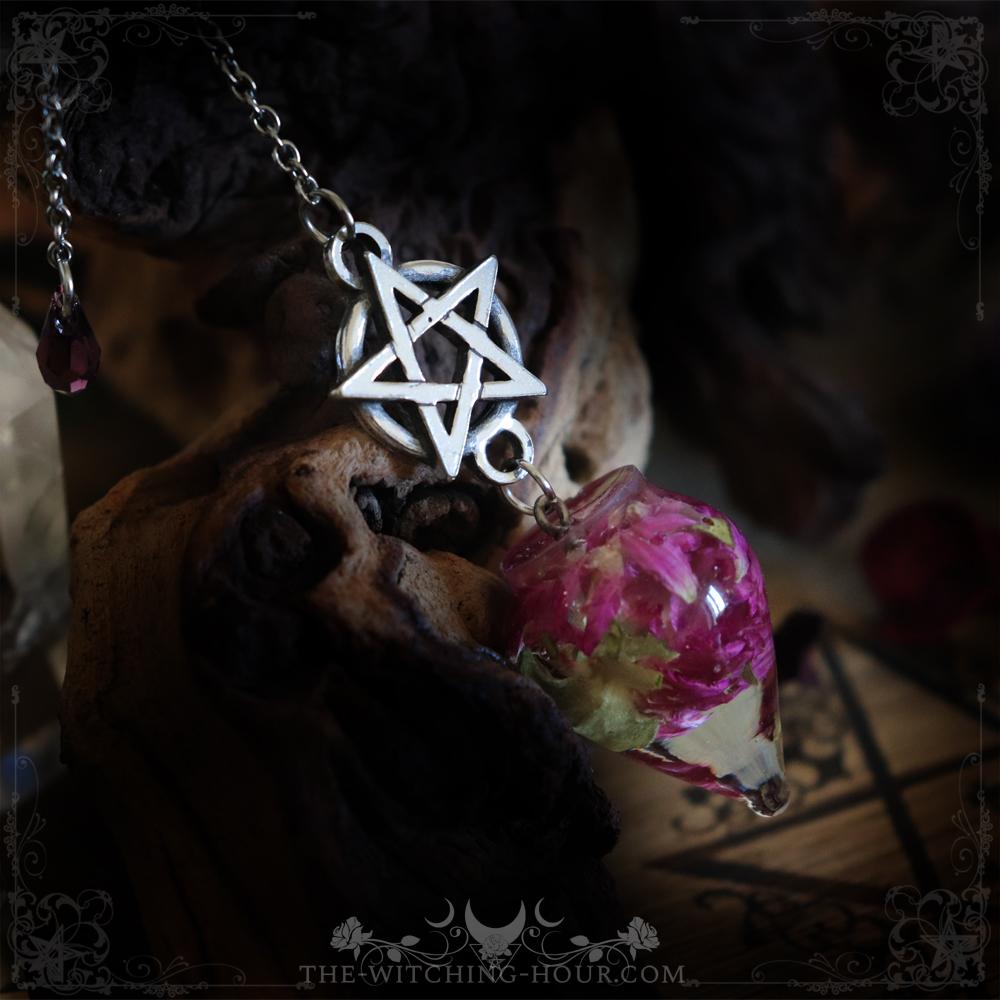 Pentagram pendulum with clover flower